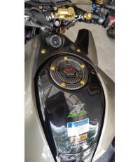 สติ๊กเกอร์คาร์บอนแท้ สำหรับแปะที่เติมน้ำมัน ของ Kawasaki