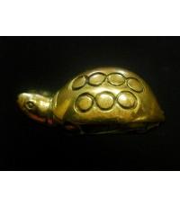 เต่าเรือนทองเหลืองขัดเงา หลวงพ่อเงินบางคลาน รุ่นมงคลมหาลาภ 51