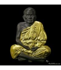รูปหล่อครึ่งซีก ติดขันน้ำมนต์ หลวงปู่หมุน เนื้อนวโลหะ ชุดกรรมการพิเศษ ๙ โค๊ต รุ่น เสาร์ ๕ บูชาครู