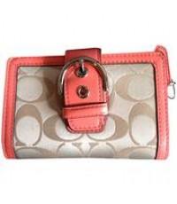 กระเป๋าสตางค์ COACH CAMPBELL SIGNATURE BUCKLE KHAKI CORAL COMPACT WALLET 50109