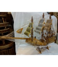 เรือสำเภาไม้สัก ตกแต่งใบ 3 กษัตริย์ ทองนาคเงิน ขนาด 21 นิ้ว  สูง 15 นิ้ว