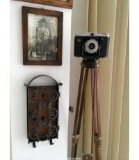 หัวหิน-ยิ้มแฉ่ง โฟโต้ช้อป ขาตั้งกล้องเรือนไม้ ZEISS IKON