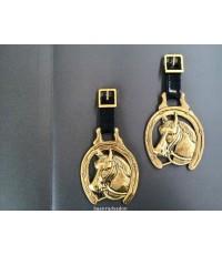 แผ่นทองเหลืองตัน รูปเกือกม้า สำหรับใช้ติดแต่งประดับ