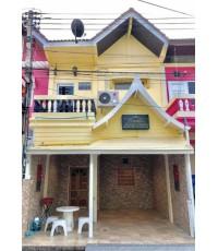 บ้านกระปุก 1  บริเวณซอยหน้าชายหาดชะอำ ใกล้ร้านสะดวกซื้อ  จ.เพชรบุรี