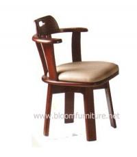 เก้าอี้อาหารไม้ยางพารา ที่นั่งเสริมเบาะหุ้มหนัง เก้าอี้หมุนได้ (C402)