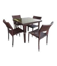 ชุดโต๊ะอาหารหวายเทียม พร้อมกระจกปูหน้าโต๊ะ สำหรับ 4 ที่นั่ง