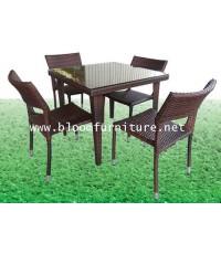 ชุดโต๊ะหวาย 4 ที่นั่ง พร้อมกระจกปูหน้าโต๊ะ ขนาด 80x80x73 ซม.