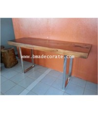 โต๊ะ 06 โต๊ะยาวทำมาจากไม้จามจุรี สีแลคเกอร์ ส่วนขาเป็นสแตนเลส ขนาด 53*177*78 ซม.