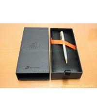 บริษัท บอส พรีเมียม กรุ๊ป จำกัด ได้รับความไว้วางใจจาก ธนาคารธนชาต ให้จัดทำของขวัญปีใหม่  ชุดปากกา Pa