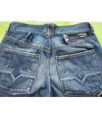 กางเกงยีนส์ Diesel Jeans  (made in Italy)รอบเอว26นิ้วXขายาว36นิ้วxเป้า7.5นิ้ว