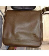 Louis Vuitton Taiga Leather Milo น้ำตาล