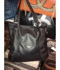 กระเป๋า PRADA มีสีเทา ดำ ชมพู ครีม อื่นๆ