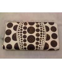 Louis Vuitton Yayoi Kusama Zippy Wallet M60450 ขาวหนังแท้