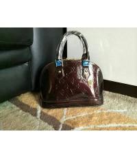 Louis Vuitton Monogram Alma Vernis BB Bag หนังแก้วจิ๋ว 10 นิ้ว