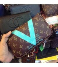 Louis Vuitton Monogram Pochette Bag สะพายหนีบ