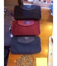 กระเป๋าสะพายหนีบ Prada Nylon