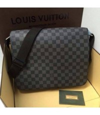 Louis Vuitton Messenger 12 นิ้ว
