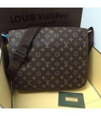 Louis Vuitton Messenger 12 นิ้ว