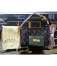 Louis Vuitton Monogram Pochette Bag สะพายหนีบ สายยาว