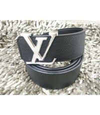 Louis Vuitton initiales Taiga  belt