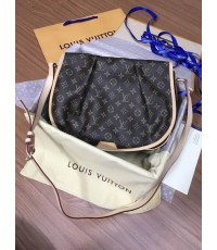 Louis Vuitton Monogram Canvas Menilmontant M M