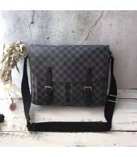 Louis Vuitton Messenger bag