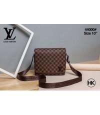 Louis Vuitton Messenger District bag