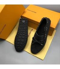 รองเท้า Louis Vuitton