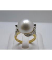 แหวนมุกเซ้าซี สีขาว ประดับเพชรมาคีสลับเพชรกลม ไฟดีมากค่ะ