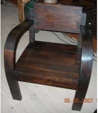 เก้าอี้ไม้แบบโบราณ