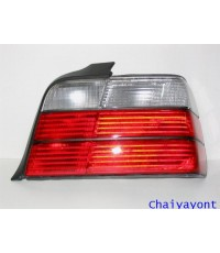 ไฟท้ายขวาชุดแต่งสีขาว-แดง รุ่นตราเพชร สำหรับรถ BMW E36 318i 325i Series 3