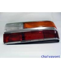 ไฟท้ายทั้งดวงด้านขวารถบีเอ็มโบราณคลาสสิค Classic  Auto Vintage BMW 518i 520i 525i E28