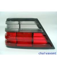 ฝาไฟท้ายข้างซ้ายสีขาวแดง Hella รถเบนซ์ Mercedes-Benz W124 200E 230E 280E 300E E200 E220 E280 E-Class