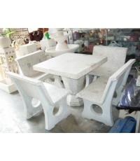 โต๊ะหินขัดทรงสี่เหลี่ยมมีพนักพิงขนาด 90 x 90 cm