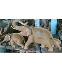 ช้างไม้แกะสลัก 4 เชือก