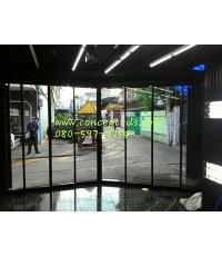 ประตูบานเลื่อนซ้อน อลูมิเนียมสีดำ กระจกใส 6 มิล