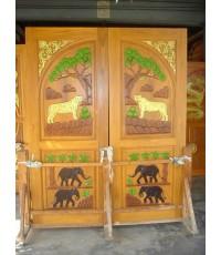 บานประตูคู่  แกะรูปช้าง  เสือ ( 8070 )