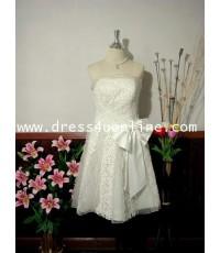 ชุดแต่งงานสั้น เสื้อเกาะอกสีขาว Off White สวยหรู