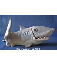 ตุ๊กตาปลาฉลามเล่นน้ำ