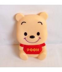 pooh พูห์ ตัวตุ๊กตาติดเสาอากาศรถ หรือติดกระจกรถ ก็ได้ มีจุ๊บติดกระจกอยู่ด้านหลังค่ะ มีรูสำหรับเสียบเ