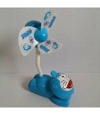 พัดลมตั้งโต๊ะ หรือ พัดลมหนีบ ลาย โดราเอม่อน Doraemon มีใบพัดให้ 2 แบบ