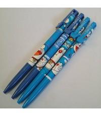 ดินสอกด ลาย โดเรม่อน (Doraemon) เซ็ตละ 4 ด้าม