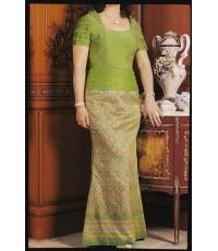 ชุดผ้าไหมสีเขียว