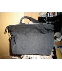 กระเป๋าสะพายยี่ห้อคิปลิ้งของแท้ รุ่นเบสิค แอสเตอร์ เอ็ม สีดำสนิท ของมือสอง สภาพใหม่เอี่ยม