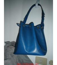 กระเป๋าสะพาย สีน้ำเงิน หลุยส์วิตตอง **ขายไปแล้ว**ลายไม้ รุ่นเอพิเลเธอร์ ของแท้ มือสอง