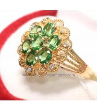 แหวนทอง พลอยมรกตอาฟริกา 1.62 กะรัต ประดับเพชร