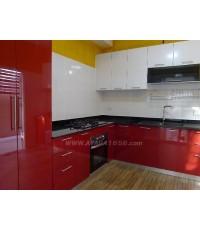 ชุดครัว Built-in ตู้ล่าง โครงซีเมนต์บอร์ด หน้าบาน PVC สีแดง + ขาว