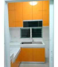 ชุดครัว Built-in ตู้ล่าง โครงซีเมนต์บอร์ด หน้าบาน Acrylic สีส้ม+ขาวมุก - ม.ชัยพฤกษ์