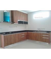 ชุดครัว Built-in ตู้ล่าง โครงซีเมนต์บอร์ด หน้าบาน Laminate สี Oiled Walnut ลายไม้