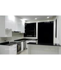 ชุดครัว Built-in ตู้ล่าง โครงซีเมนต์บอร์ด หน้าบาน Hi Gloss สีขาวเงา